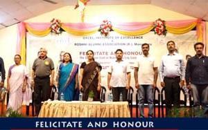 Roshni Alumni Association felicitates sanitation workers of the Mangaluru City Corporation